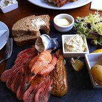 Coaster's Seafood Platter .... wonderful