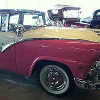 """Classic Crown Victoria with glass top """"Vicky"""""""