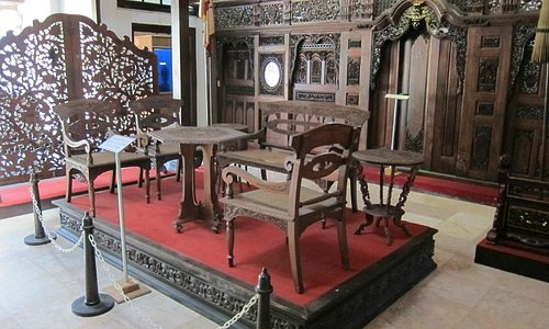 Exquisite furniture - Sonobudoyo Museum