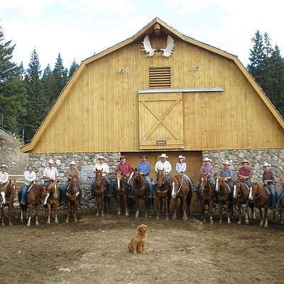 Hell's A-Roarin' Outfitters in Gardiner, Montana