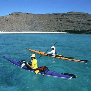 Sea kayaking Espiritu Santo Island October to May