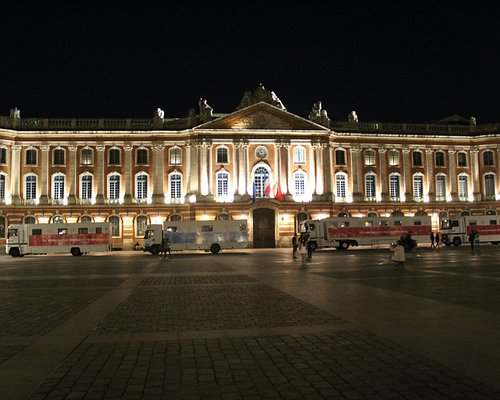 Capitole at Night