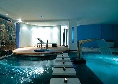 Oasis Hydro Therapy Lounge