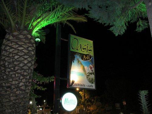 The Oasis bar, Kalamaki