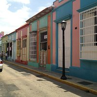 Casas y comercios en Calle Carabobo!