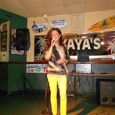 Martine Bizier singing at Yaya's