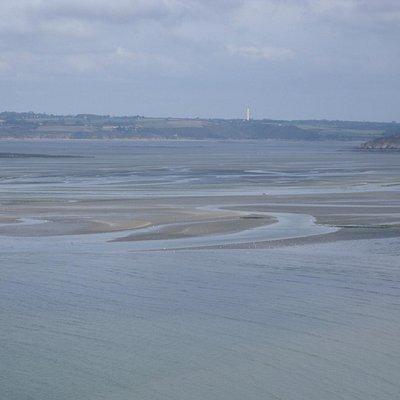 La baie de St Brieuc vue du GR 34 en allant à la pointe du Roselier..