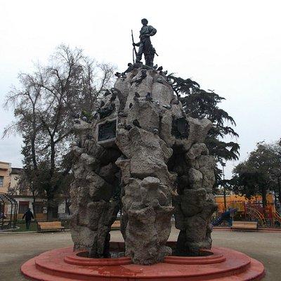 Santiago de Chile, Barrio Yungay. Monumento al Roto Chileno.