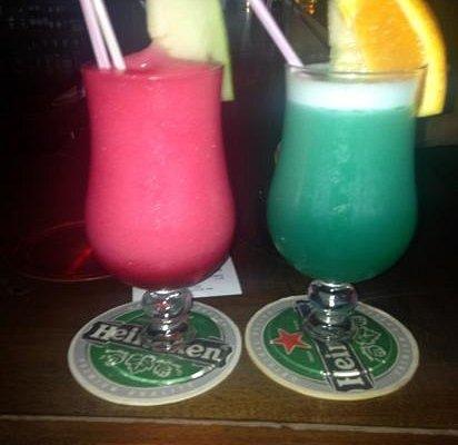 Mmm strawberry daquri and hawain cocktails