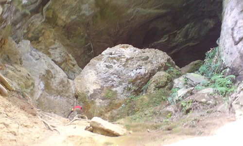 Entrance to the cave 1