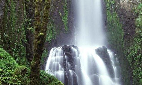 beautful waterfall in marand - iran (www.azarbaijan.samenblog.com)