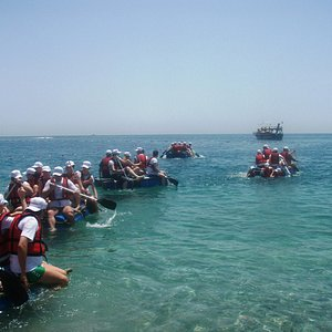 Raft building beach event