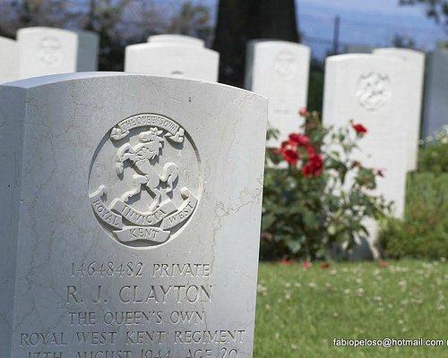 Cimitero di guerra Bolsena, Lapide
