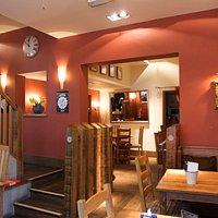 No 4 contemporary bar & kitchen