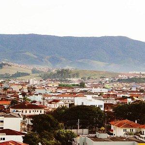 Vista da cidade com a Serra do Paredão ao fundo