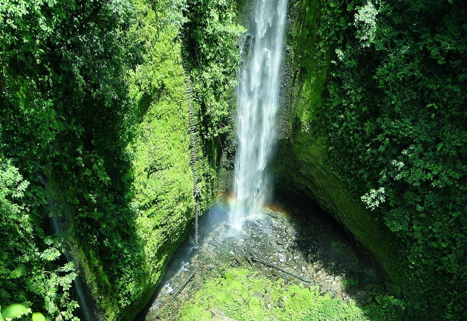 Pino Blanco Waterfall