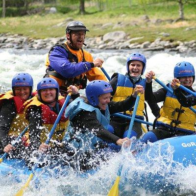 Girls go rafting on the Sjoa river