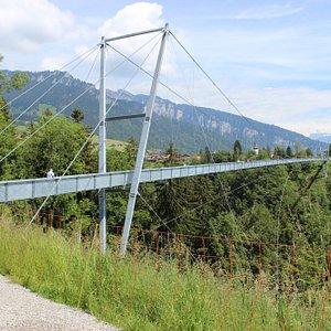 A ponte vista do outro lado
