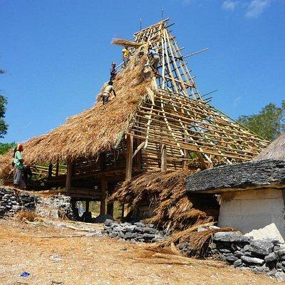 Building a traditional home, Karuni, Sumba Barat Daya October 2012