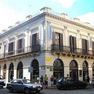 Academia Uruguay's building.