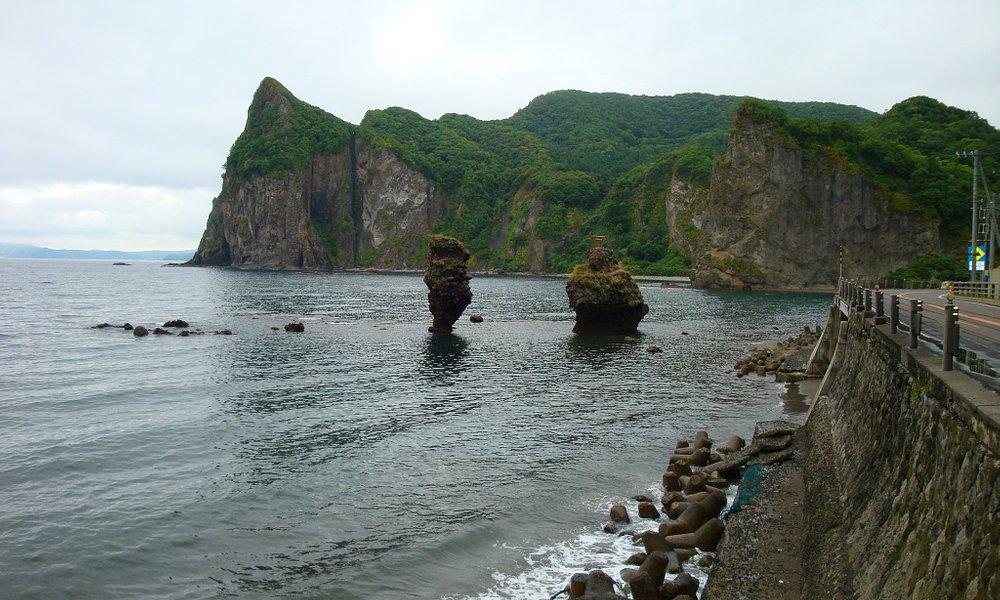 えびす岩と大黒岩です。見過ごしてしまいやすいので写真を撮るのに大変でした(笑)