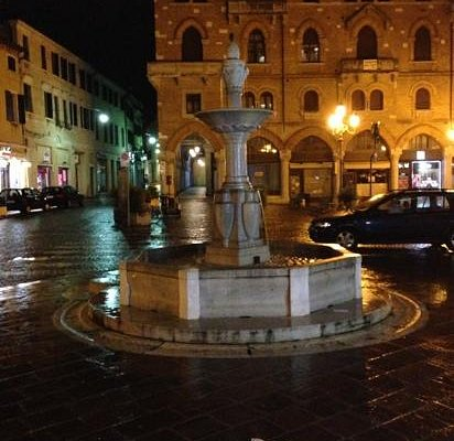 Piazza San Vito by nite!