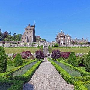 What stunning gardens!