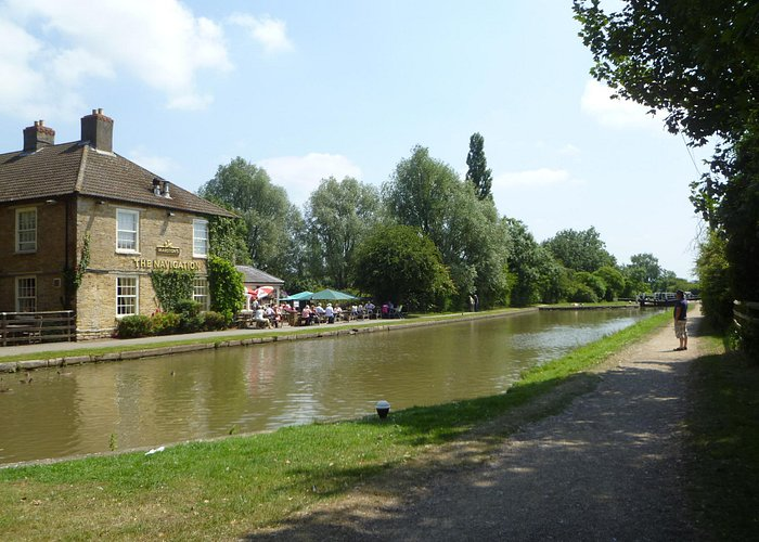 Pub on the towpath