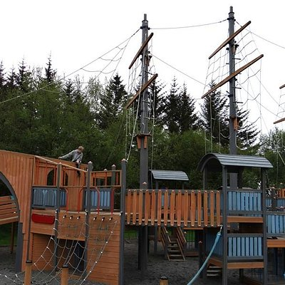 Ship climbing structure in playground