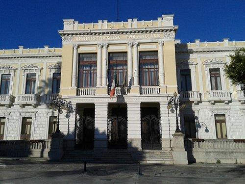 Palazzo Foti, sede della provincia