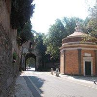 Porta Latina e San Giovanni in Oleo