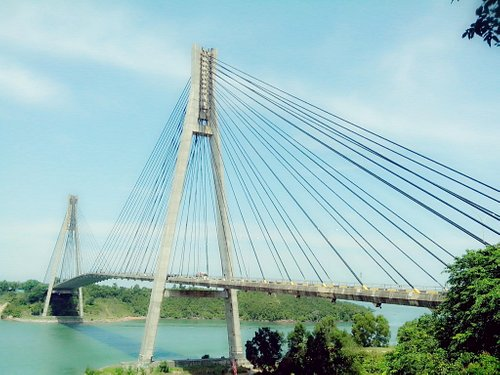 Pesona Jembatan barelang di siang hari