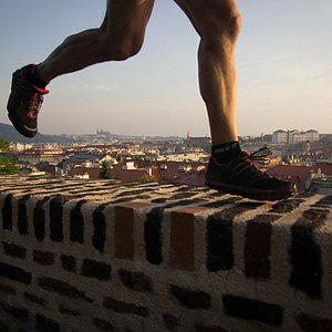 Lets place the Prague castle between your trainers ;-)