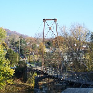 View the James River as well as the Blue Ridge Mountains from the historic Swinging Bridge.