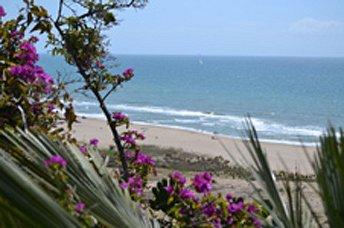 CASTELLDEFELS BEACH, BARCELONA'S LITTLE CALIFORNIA