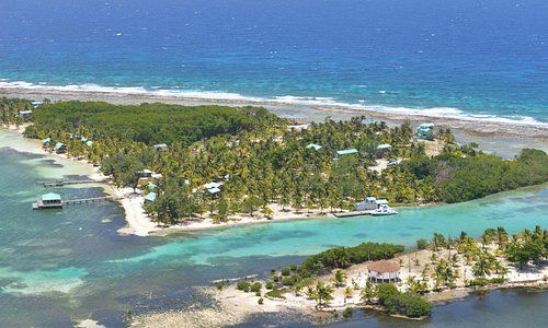 The shallow lagoon separating the two south west cayes is perfect for learning to SCUBA dive.