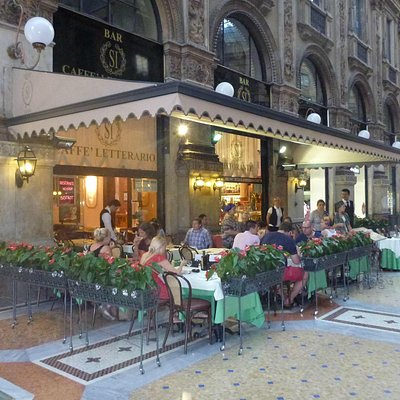 Bar Cafe Si Letterario outside terrace