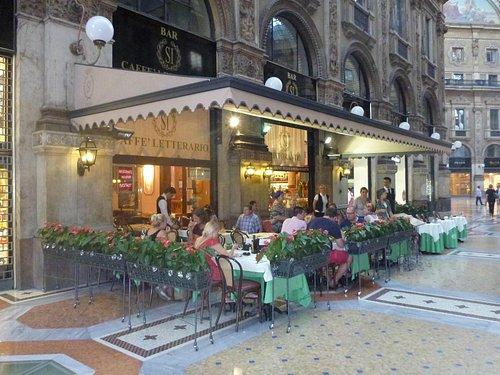 Bar Cafe Si Letterario outside terrace