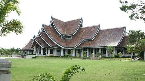 Bang Sai Royal Folk Arts and Crafts Centre