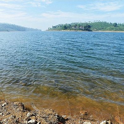 Upper Sholayar Lake