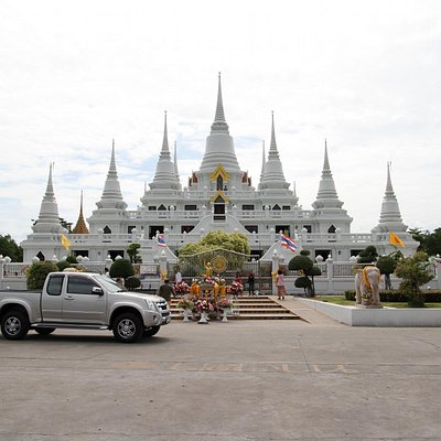 Wat Asokaram in Samut Prakan Thailand - Minas Tirith!