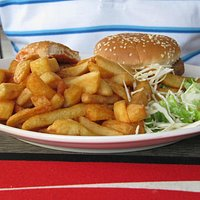 Assiette hamburger frites
