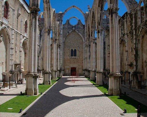 Nave cetnral da antiga igreja / Central nave of the old church