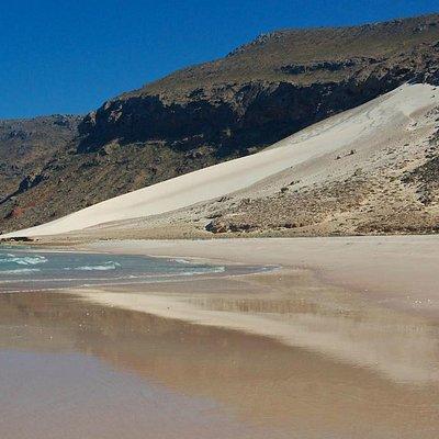 Delisha Beach: sand dune