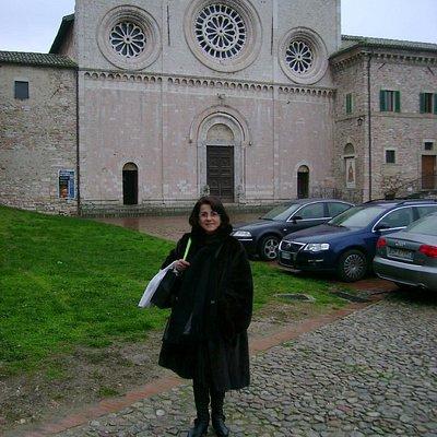 Nel piazzale antistante la Chiesa di San Pietro