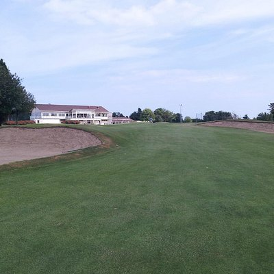 Approach to 18th green