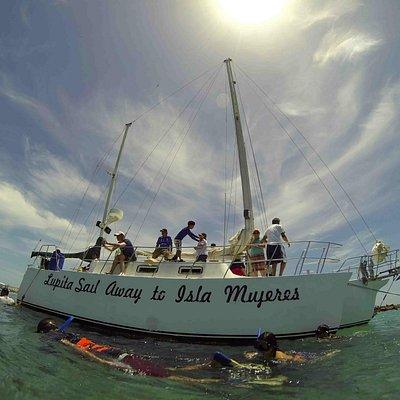 Trimaran Lupita on the Coral Reef area