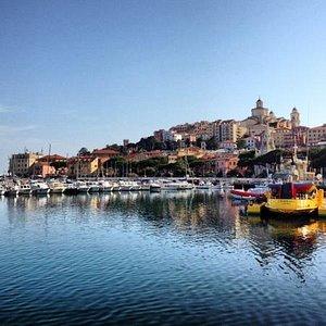Marina di Porto Maurizio (dal porto)