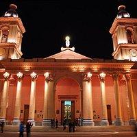 La Catedral iluminada.