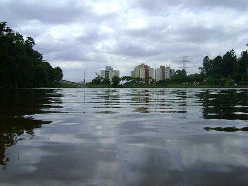Foto do Lago dentro do parque